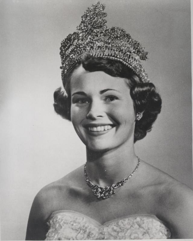 Smuin, Marilyn Rose Queen 1955 portrait 001
