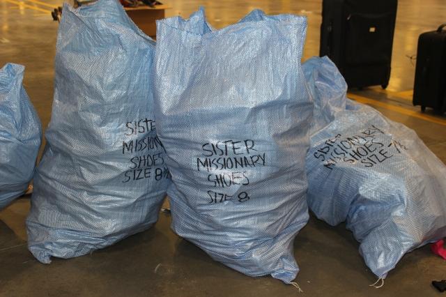 2014-10-2 Packing Kits for Zimbabwe (27)