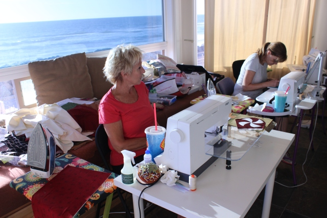 2014-11-1-8 CA Quilt Retreat Oceanside (24)