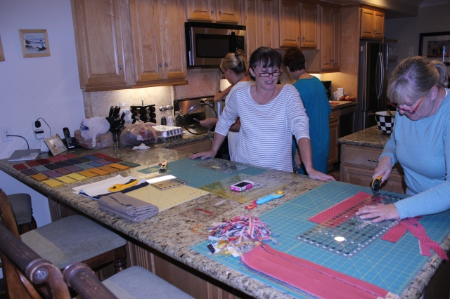 2014-11-1-8 CA Quilt Retreat Oceanside (4)