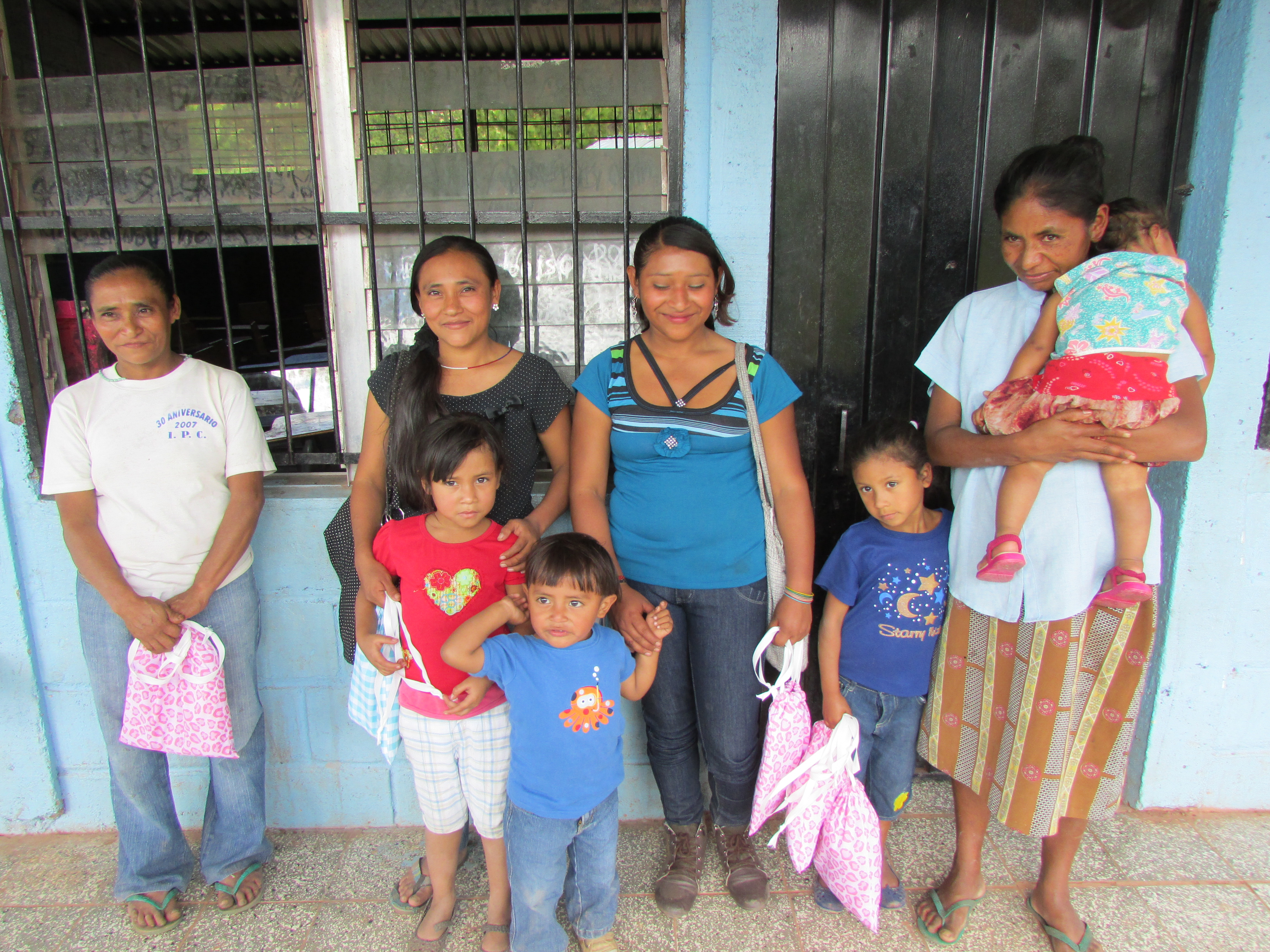 bayaguana women Online gifts service in bayaguana, dominican republic offers express gifts for nationwide delivery in dominican republic.