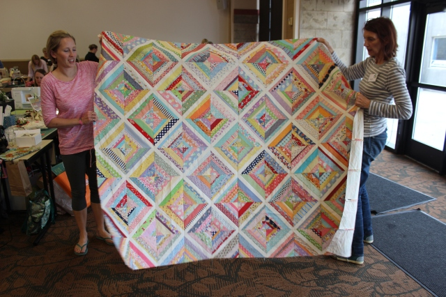 2015-4 American Quilting Retreat (11)