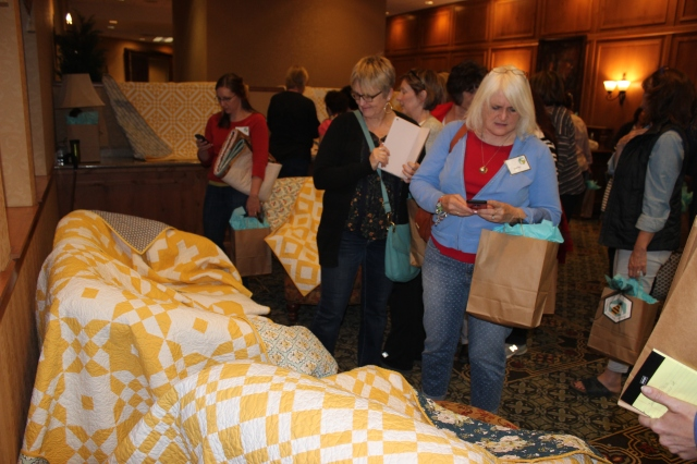 2015-4 American Quilting Retreat (27)