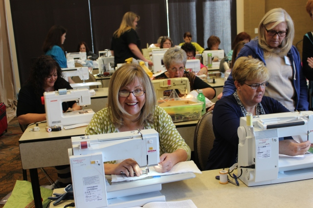 2015-4 American Quilting Retreat (43)