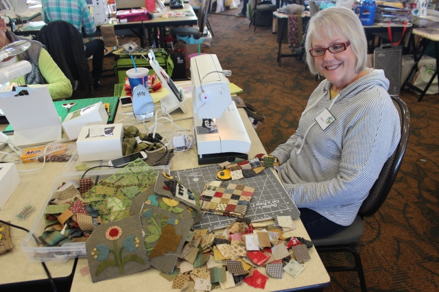 2015-4 American Quilting Retreat (54)