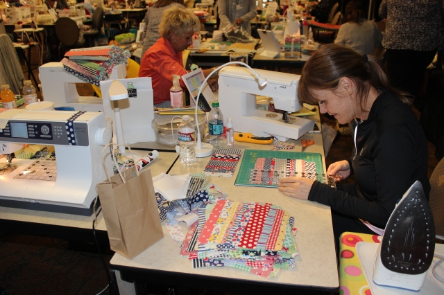 2015-4 American Quilting Retreat (98)