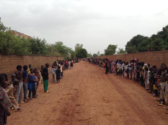 2017-5-23 Elder Bednar In Ouelessebougou (2)