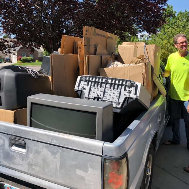 2018-7-6 Old TVs to the dump (3)