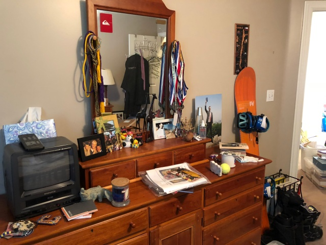 2018-9-21 Adam's Room Clean (3)