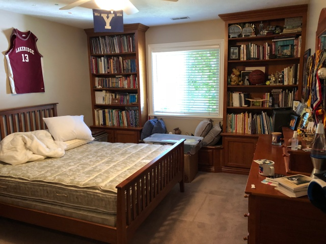 2018-9-21 Adam's Room Clean (4)